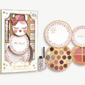 NIB TOO FACED Let It Snow, Girl! Limited edition